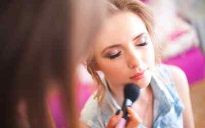 Прически/макияж/оформление бровей оказываем услуги